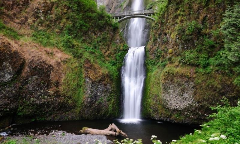 Multnomah Falls along the Columbia River