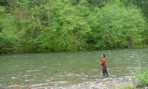 Hood river oregon fly fishing camping boating alltrips for Hood river fishing