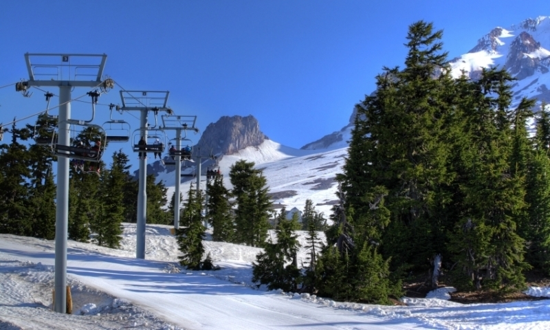 Chairlift on Mount Hood
