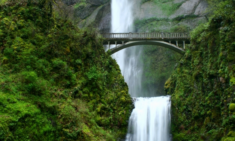 Multnomah Falls along the Columbia River