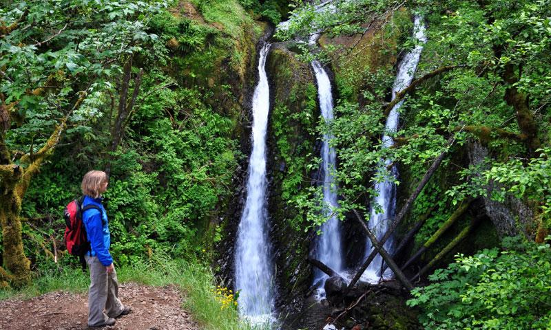 Hiking to Triple Falls along the Columbia River Gorge